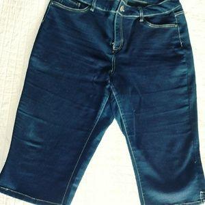 Capri Jeans by D Jeans Size 18